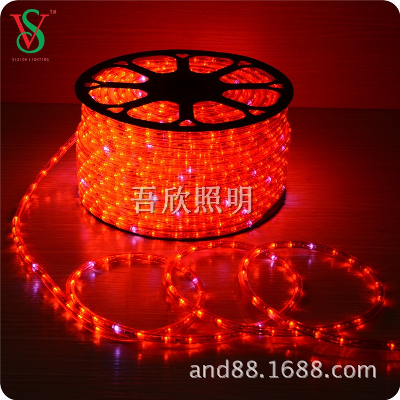 red color christmas round  rope light